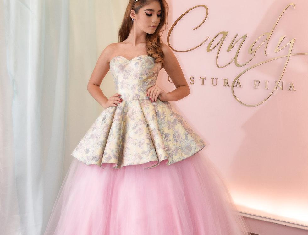 Vestido XV años brocado rosa y falda de tules baby pink