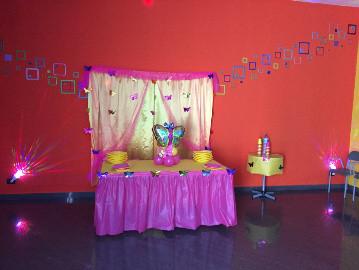tavolo-rosa-ludoart.jpg