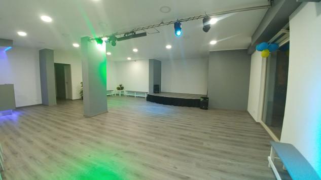 sala-interna-principale-vuota-2.jpg