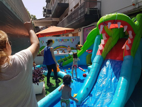 gonfiabili-esterno-holiday.jpg