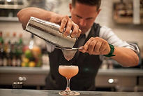 Mahon Gin, bartender