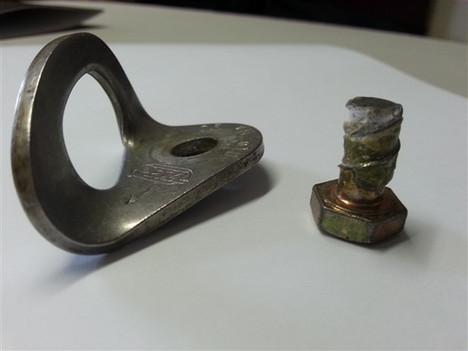 Hardwear store bolt