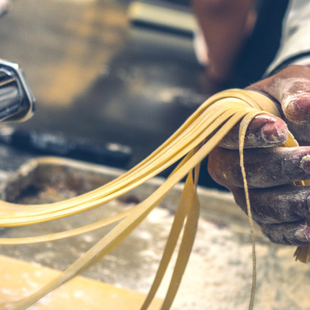 תלמדו להכין פסטה יחד עם המאמות האיטלקיות