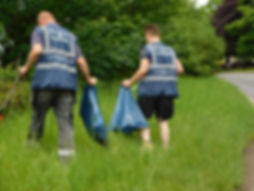 Litter picking at Lt Paxton.JPG