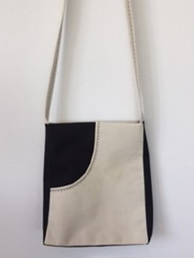 Black and White Small Quies Bag