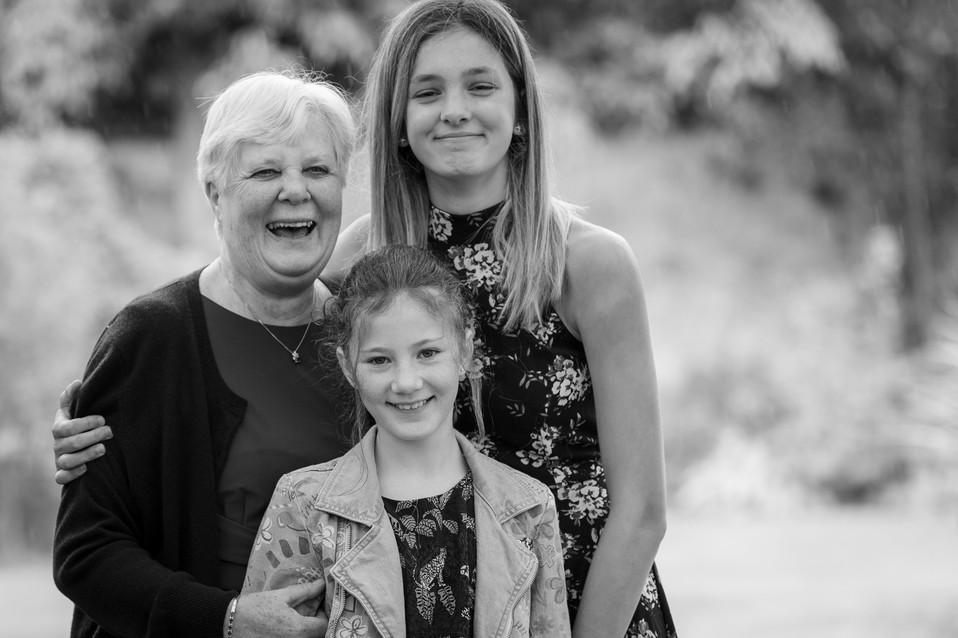 Natural Portrait Photographer - Family - by Tania Jonas