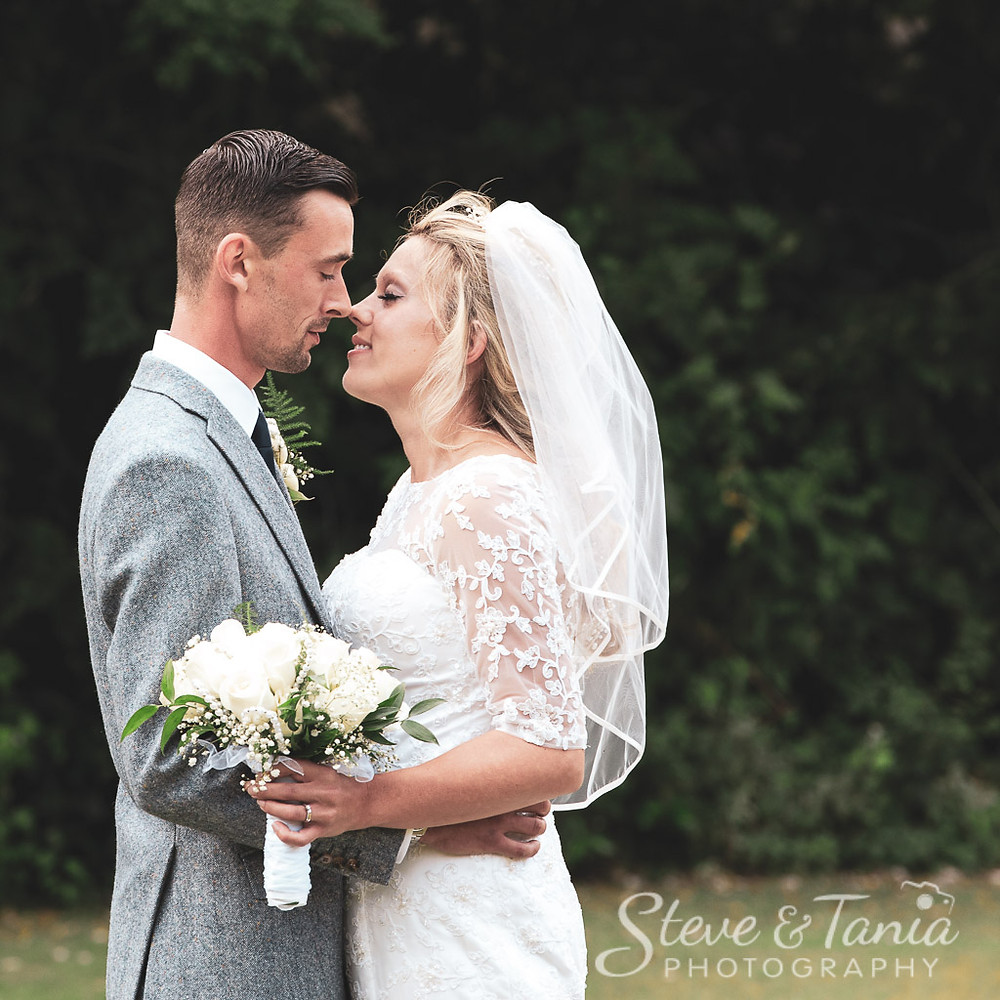 Wedding Photographers Steve and Tania at the Gatwick Europa Hotel, West Sussex