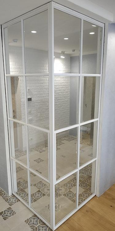 Лофт угловая конструкция с раздвижными полотнами скрытого монтажа.