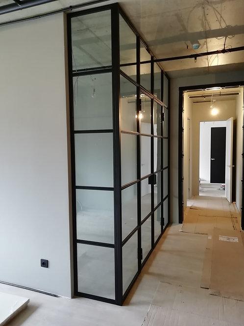 Лофт с глухими фрамугами и распашная 2- ств. дверь.