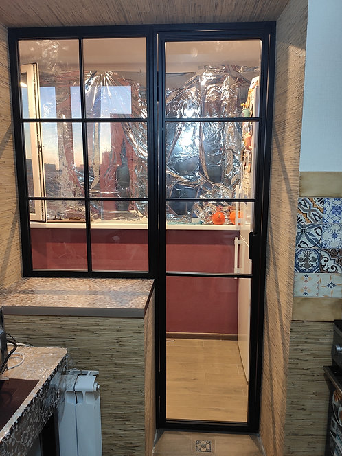Лофт перегородка с распашной дверью. Зонируем  балкон.