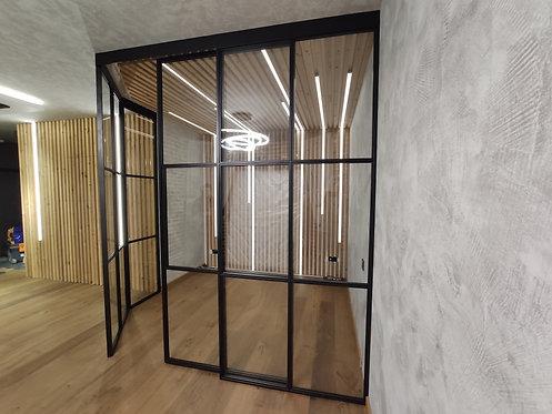 Лофт конструкция с раздвижными полотнами.