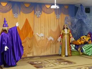 Новогодний спектакль для детей 7 группы