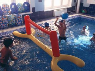 Занятие в бассейне.