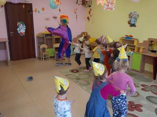 """Сегодня в группе """"Ромашки"""" поздравляли летних именинников с Днем Рождения!!!"""