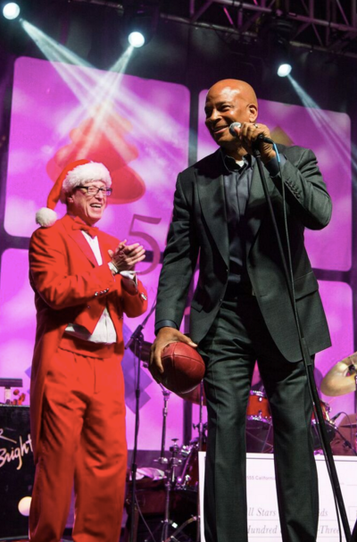 Loving the holidays with Hall of Famer, Ronnie Lott at the 555 California Xmas Tree Lighting