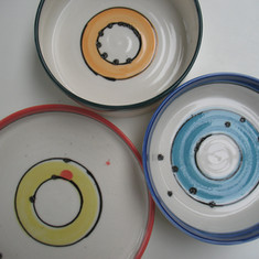 Gekleurd, handgedraaid porselein