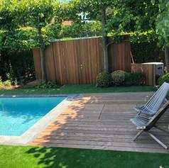 terras en berging nutsvoorzieningen zwembad