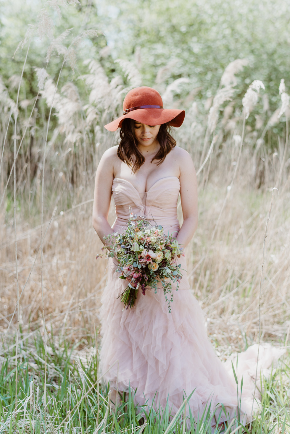 Foto: Andrea Rufener Photograph Flowers: Karin Mani FlowersDesign&more Styling: isaBELLE Haar&Make-up