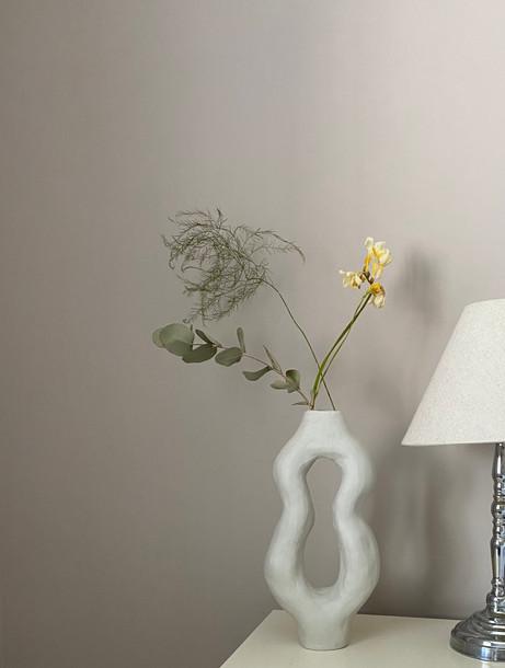 Annabel Cucuz, Lilla Vase with Dried Flora, 2020