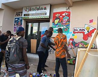Atelier d'artistes à Dakar pour les jeunes talents créé par Jendalma Art & Design