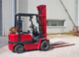 Forklift_iStock_000001999783Large.jpg