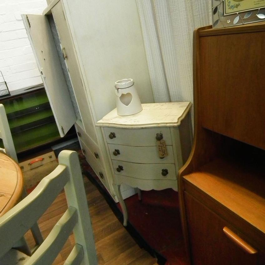 cupboards&stuff_2648