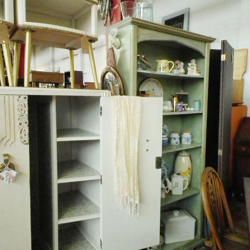 cupboards&stuff_2735