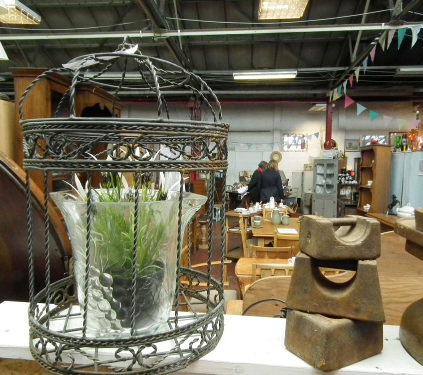 ant_Country-furn_2600