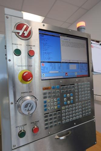 Вертикально-фрезерный обрабатывающий центр c ЧПУ с поворотным столом HRT 210
