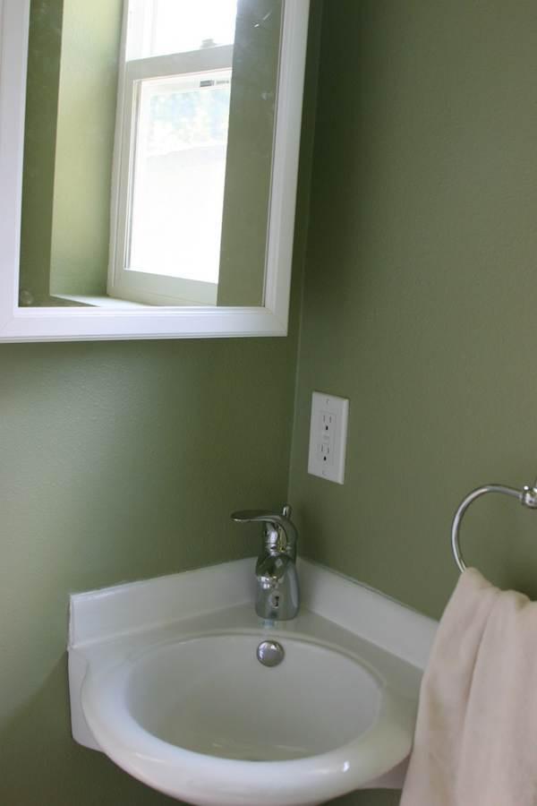 sink green w h.jpg