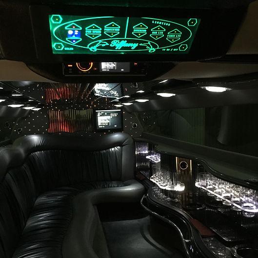 Мультимедия в лимузине Chrysler
