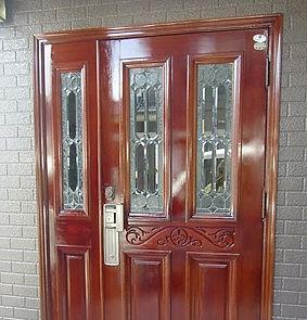 岩本塗装店玄関扉