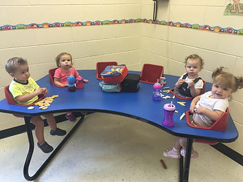 Preschool parents day out children eating lunch