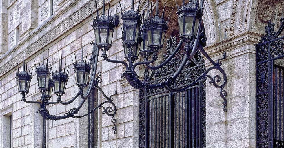 boston-public-library-403068_edited.jpg