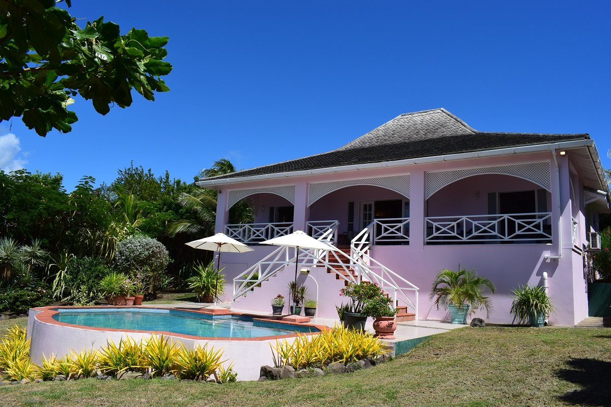Pool and house 1