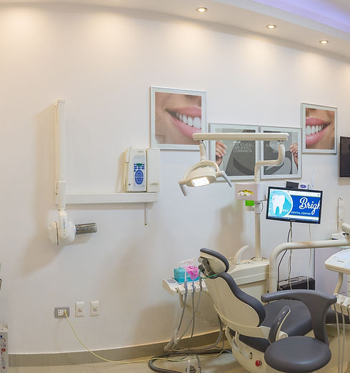 مركز أسنان, زراعة أسنان_edited.jpg