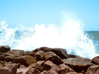 Microplástico na brisa do mar