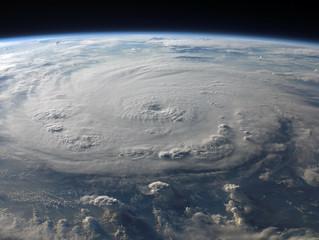 Crise climática está tornando furacões mais fortes