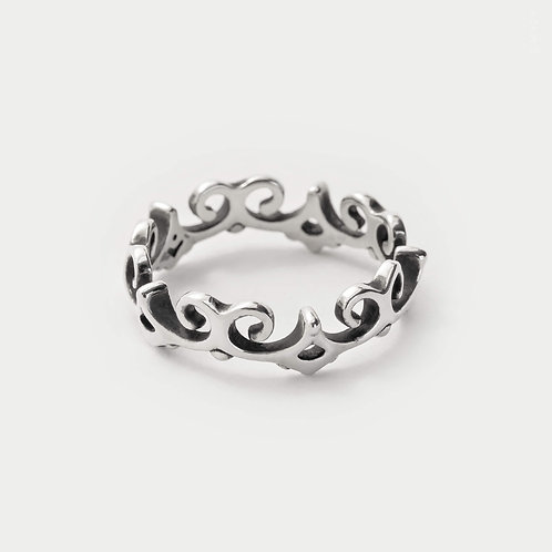 swirl rings for women featuring a dainty thin curved band in s925 silver from jewellery byMazy uk