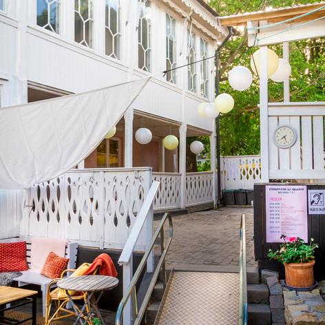 Östra entrén, Rosa Gården