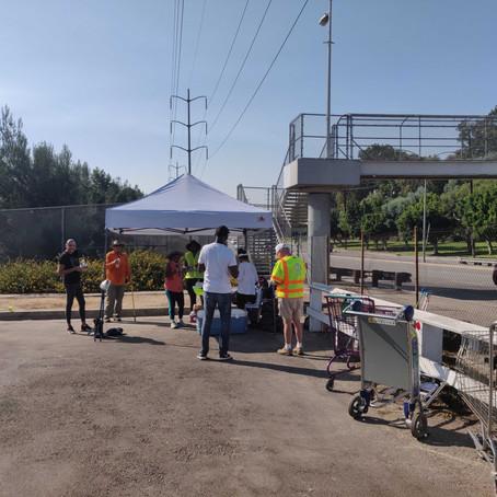 Neighbors Volunteer to Clean Up Messy Streets