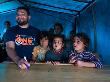 Syrian who survived kidnap and imprisonment to set up schools for refugees with his own money