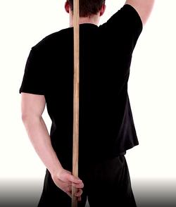mobilité de l'épaule en rotation interne avec un bâton3
