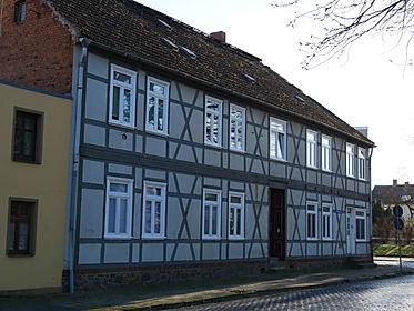 Die Gäste- und Monteurwohnung im EG hat einen separaten Eingang.
