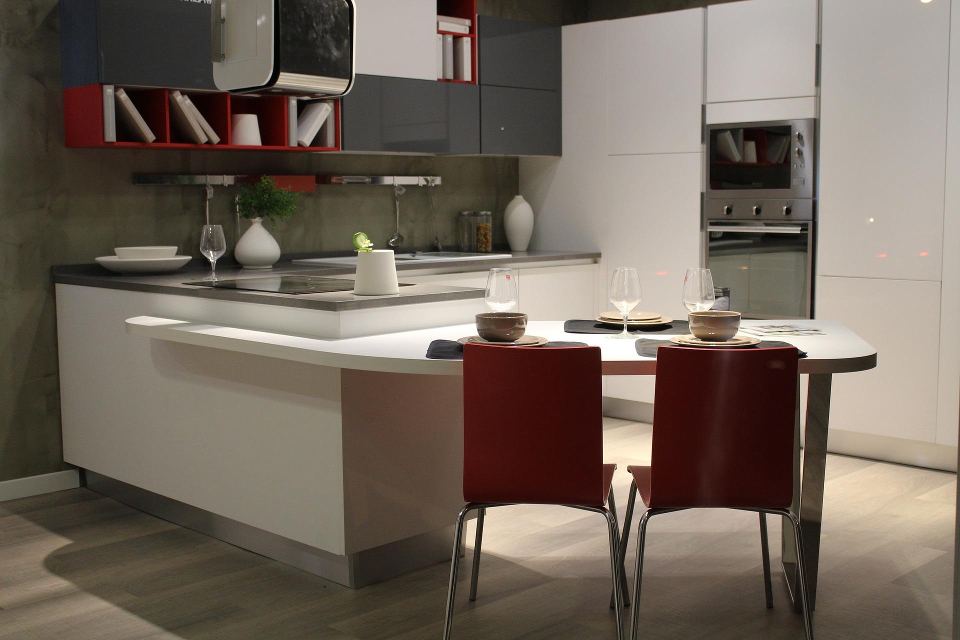 Cozinha clara e moderna