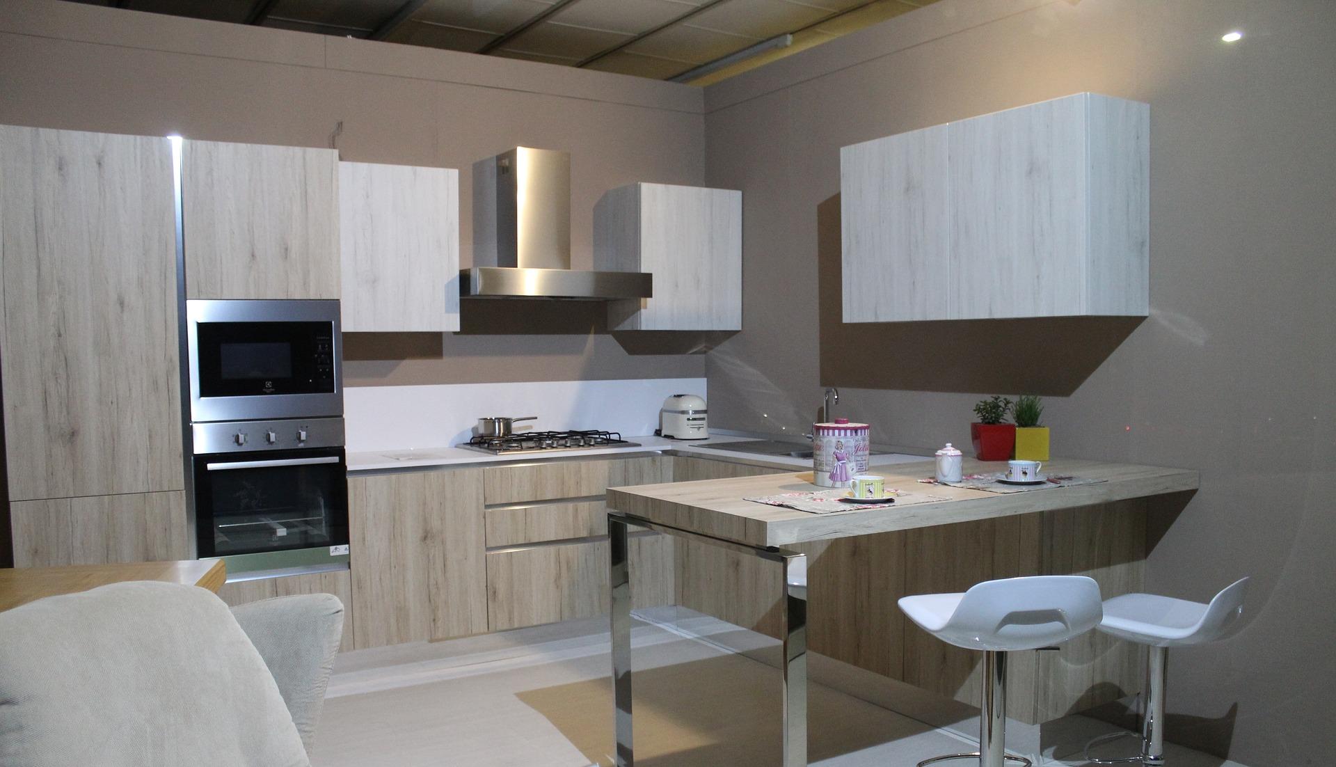 Cozinha pequena madeirada