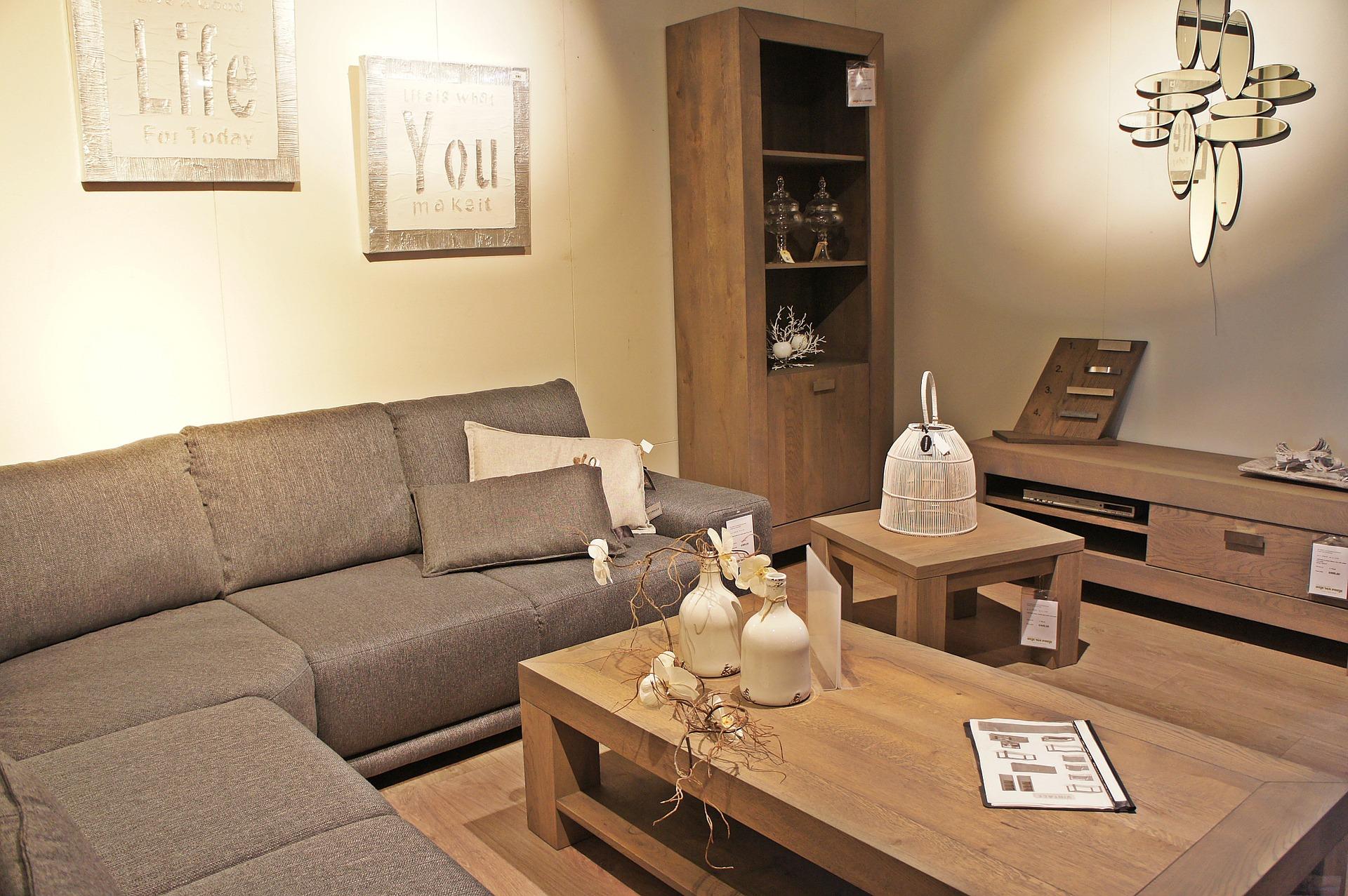 Sala em padrão madeira