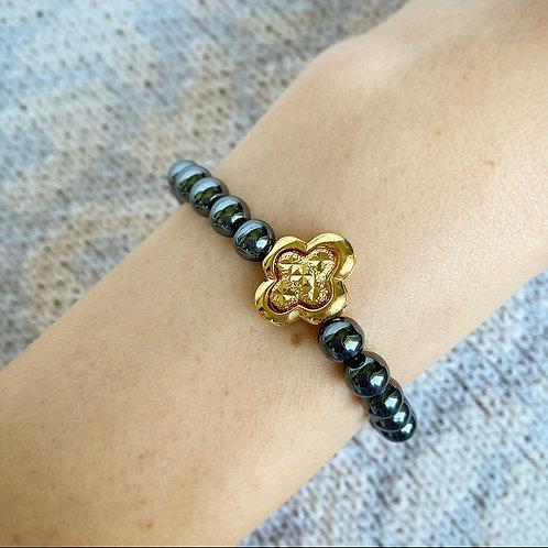 Hematite Clover Bracelet