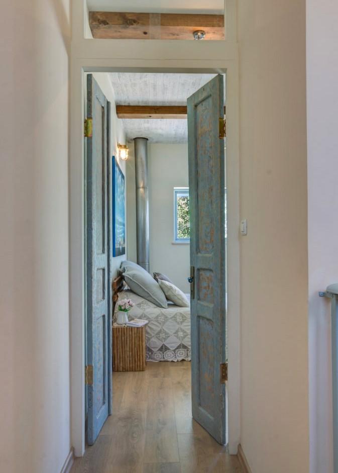דלתות עץ שקיבלו תשומת לב ראויה מבני ביתם (: