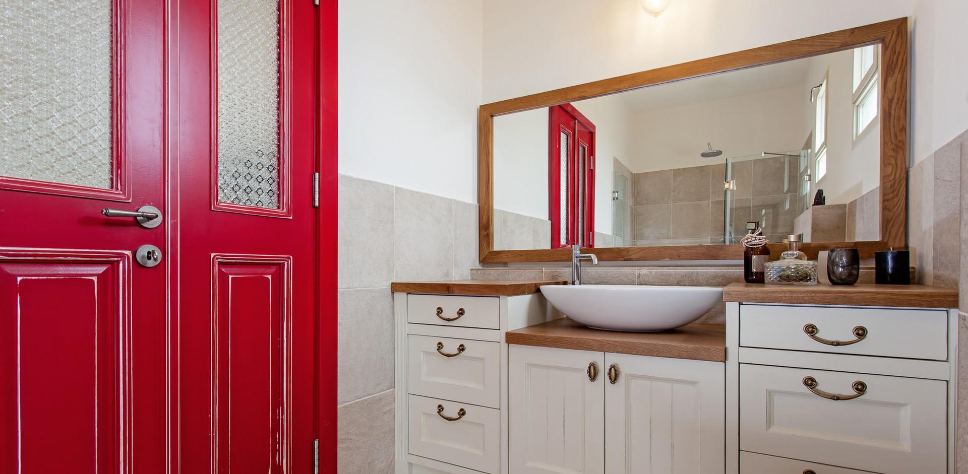 יחידת נגרות חדר אמבטיה מונגשת ופריקה